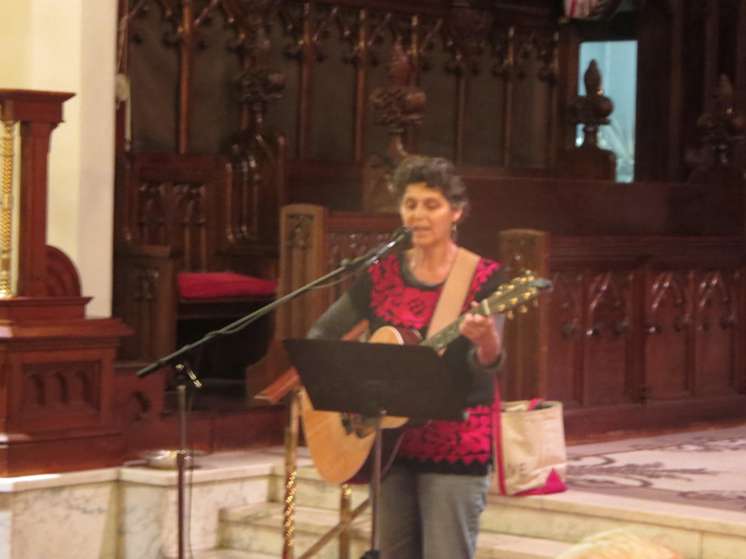 Naomi Bindman singing her daughter's song.jpg