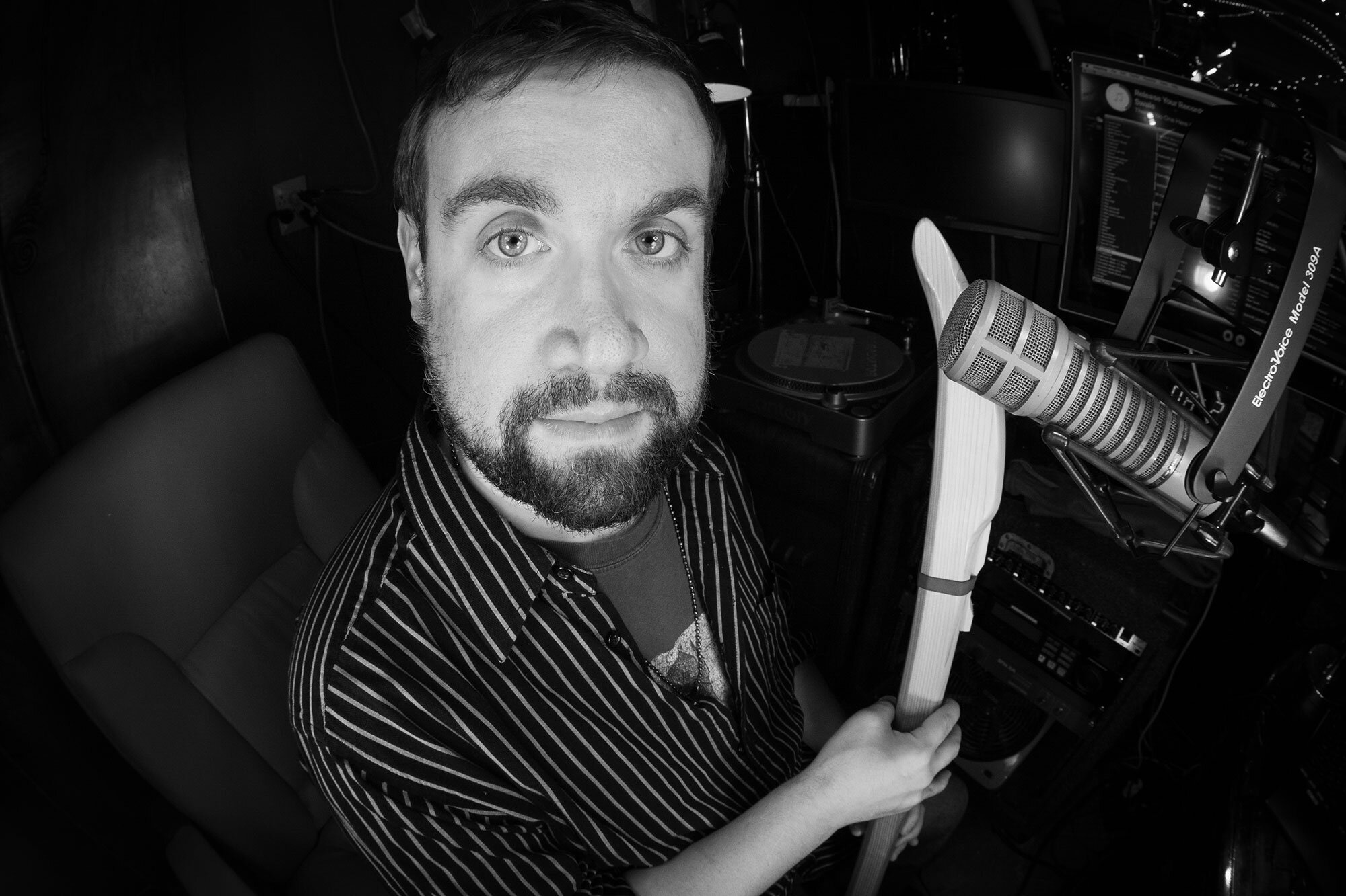 12pm-2pmFlute Fest - Edward BurkeA mix of world, Irish/Celtic, Jazz, Rock, and other genres. If it's got a flute in it, I'll probably play it!
