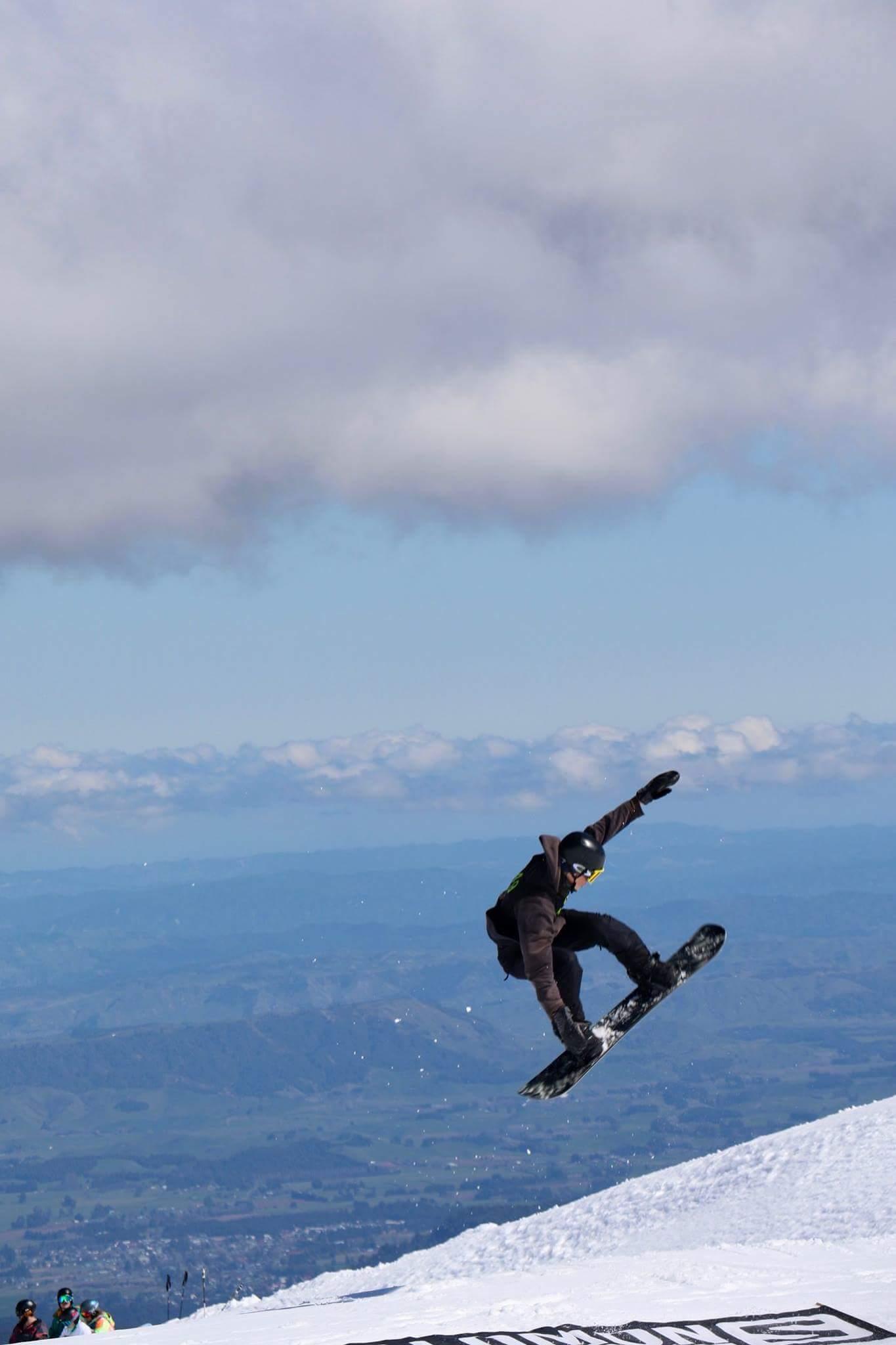 Snowboarding Whakapapa.jpg