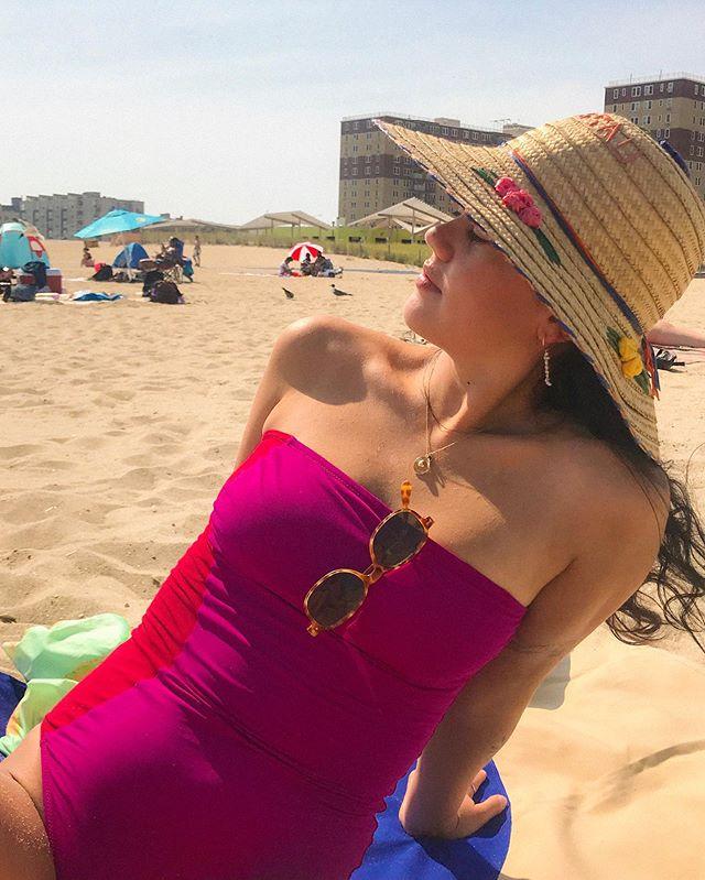 I like the beach I love the beach I'm in love with the beach