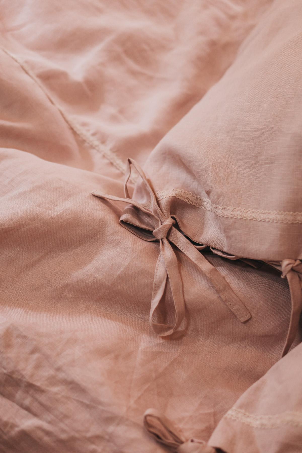 Keira-Mason-in-between-the-sheets-bow.jpg