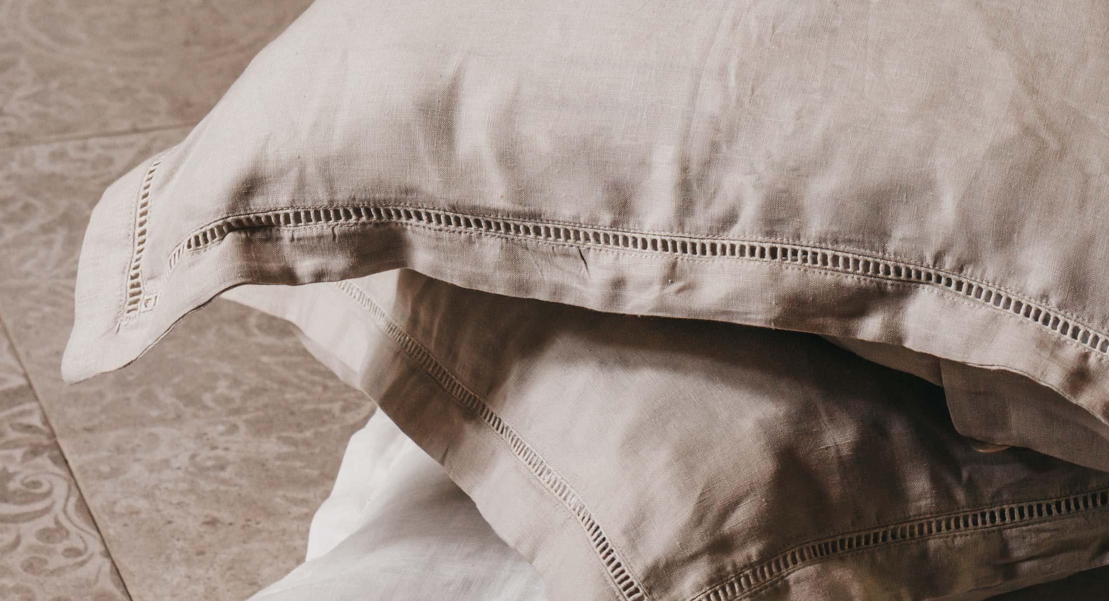 Keira-Mason-in-between-the-sheets-cream-sheets.jpg
