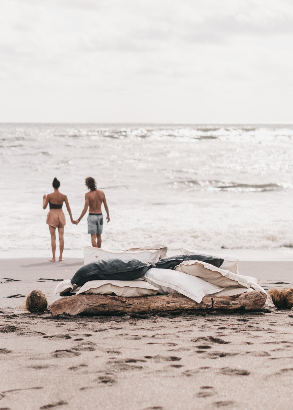 Keira-Mason-in-between-the-sheets-couple-at-beach.jpg