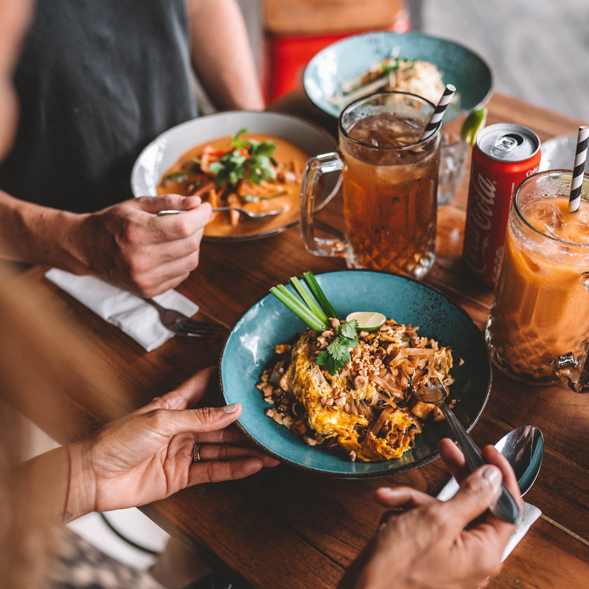 keira-mason-bangkok-hustle-dinner-table.jpg