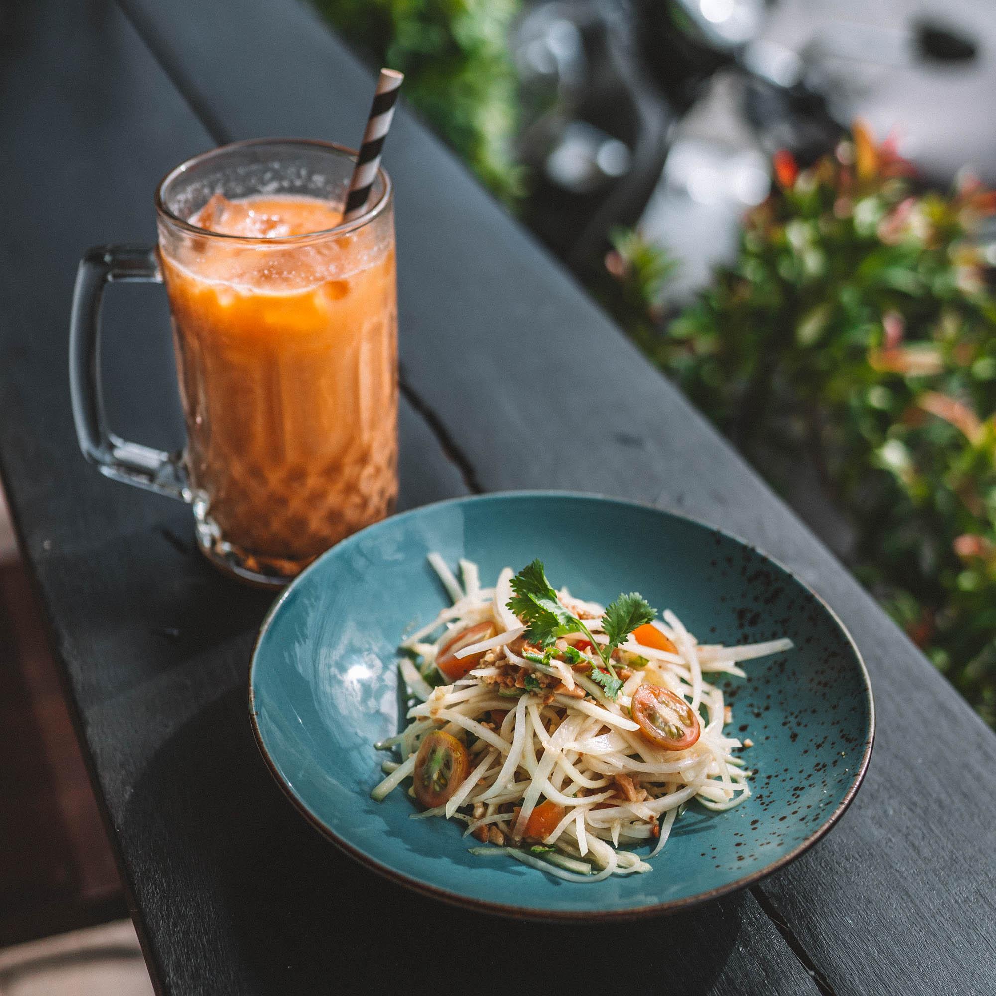 keira-mason-bangkok-hustle-meal.jpg