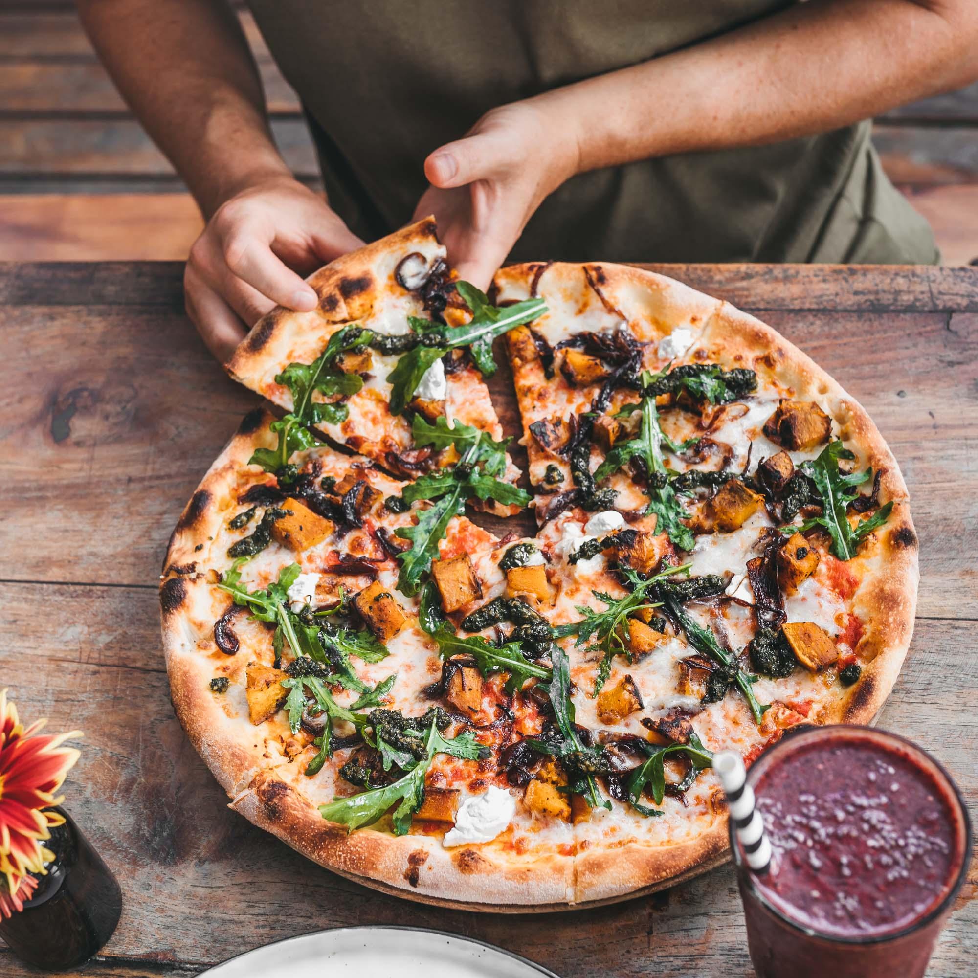 keira-mason-milk-and-madu-eating-pizza.jpg