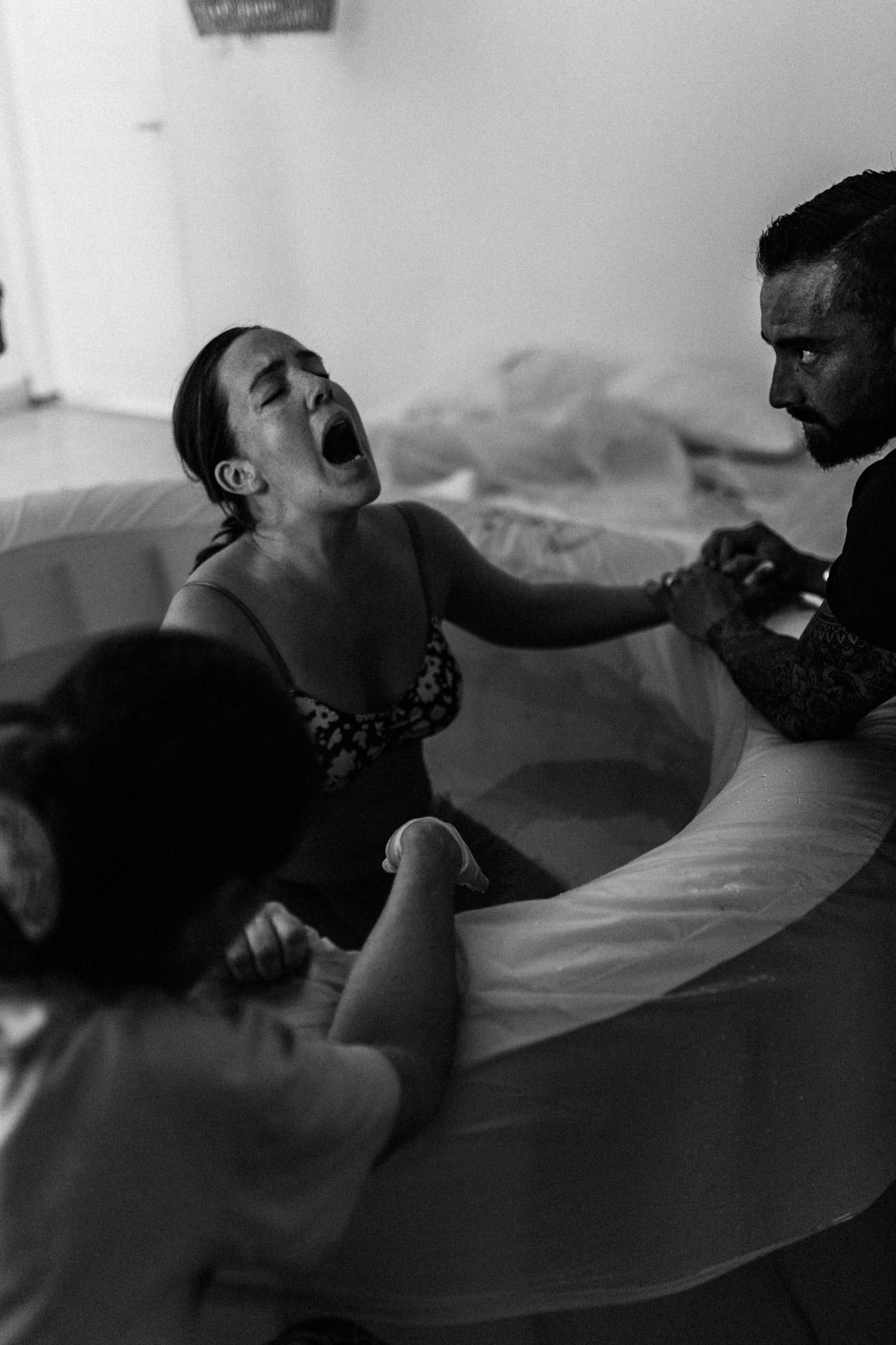keira-mason-waterbirth-strong-labour.jpg