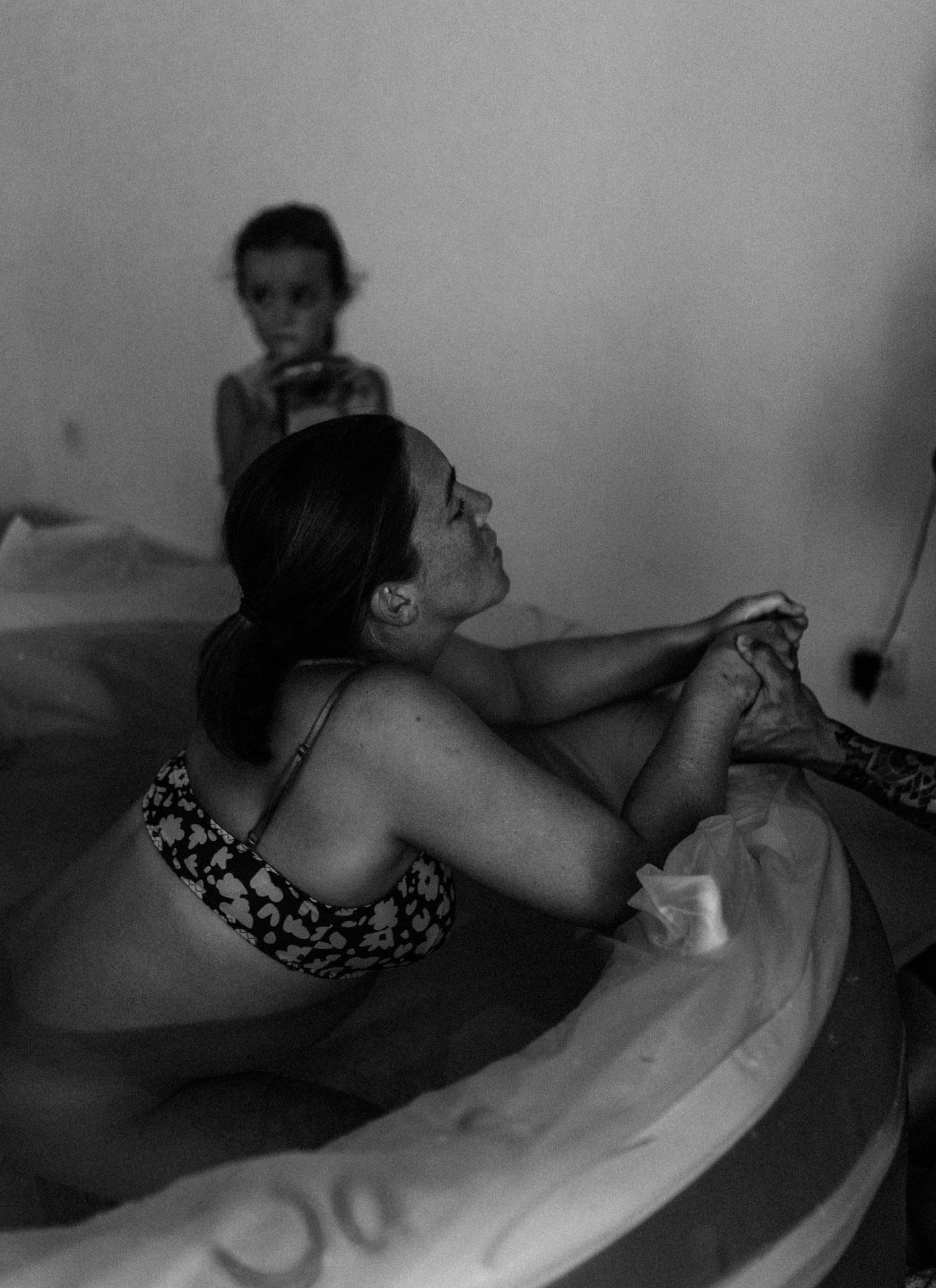 keira-mason-waterbirth-rest.jpg