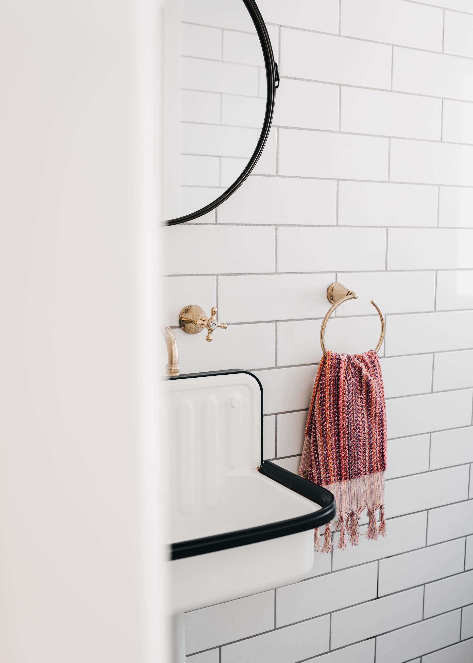 keira-mason-aegean-loom-hand-towel-pink-bathroom.jpg