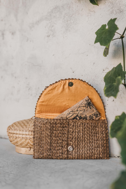 keira-mason-green-banana-paper-handbag-wallet-hand-bag.jpg