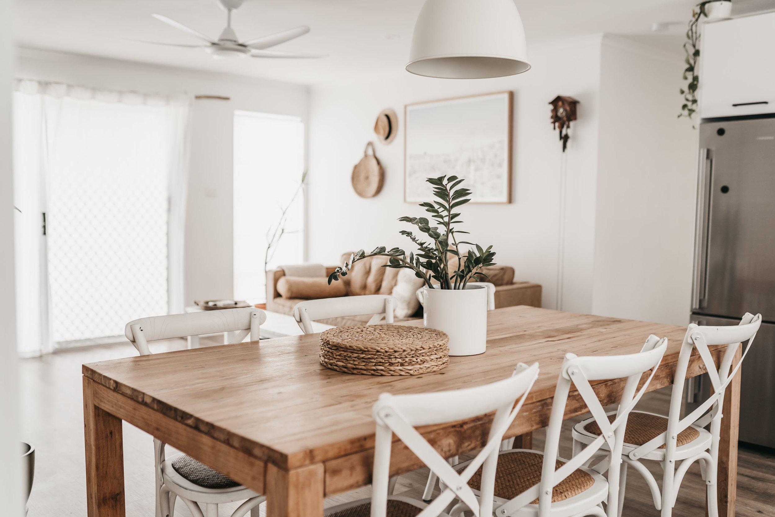 keira-mason-caba-cottage-dinning-room-table.jpg