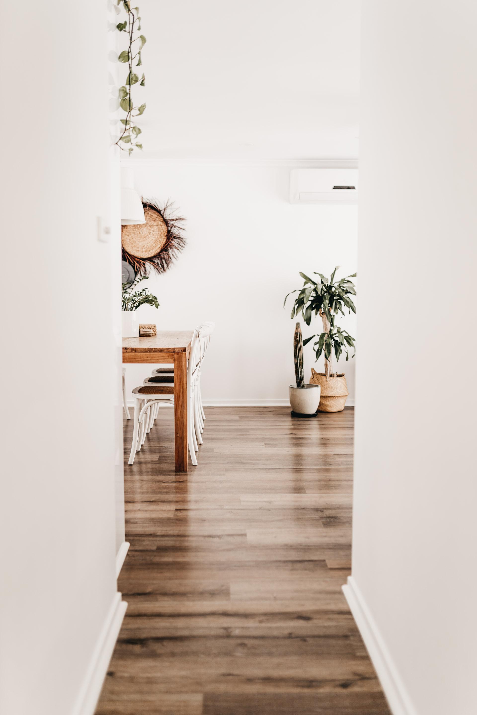 keira-mason-caba-cottage-hallway.jpg