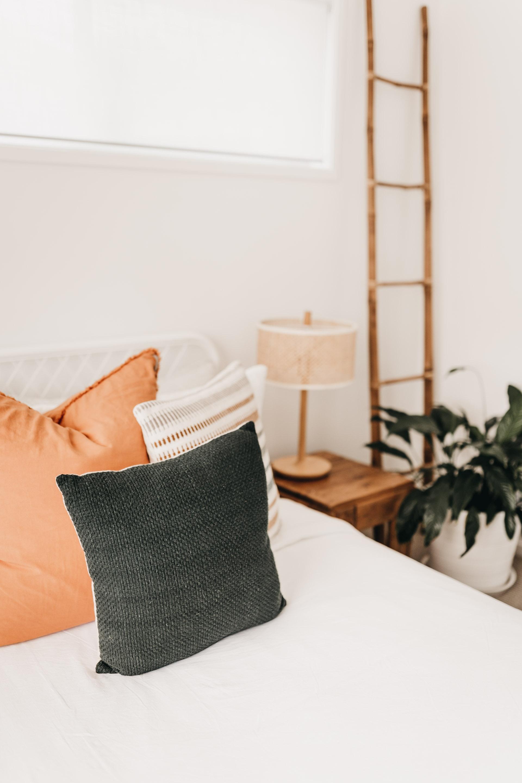 keira-mason-caba-cottage-bedroom-minimal.jpg