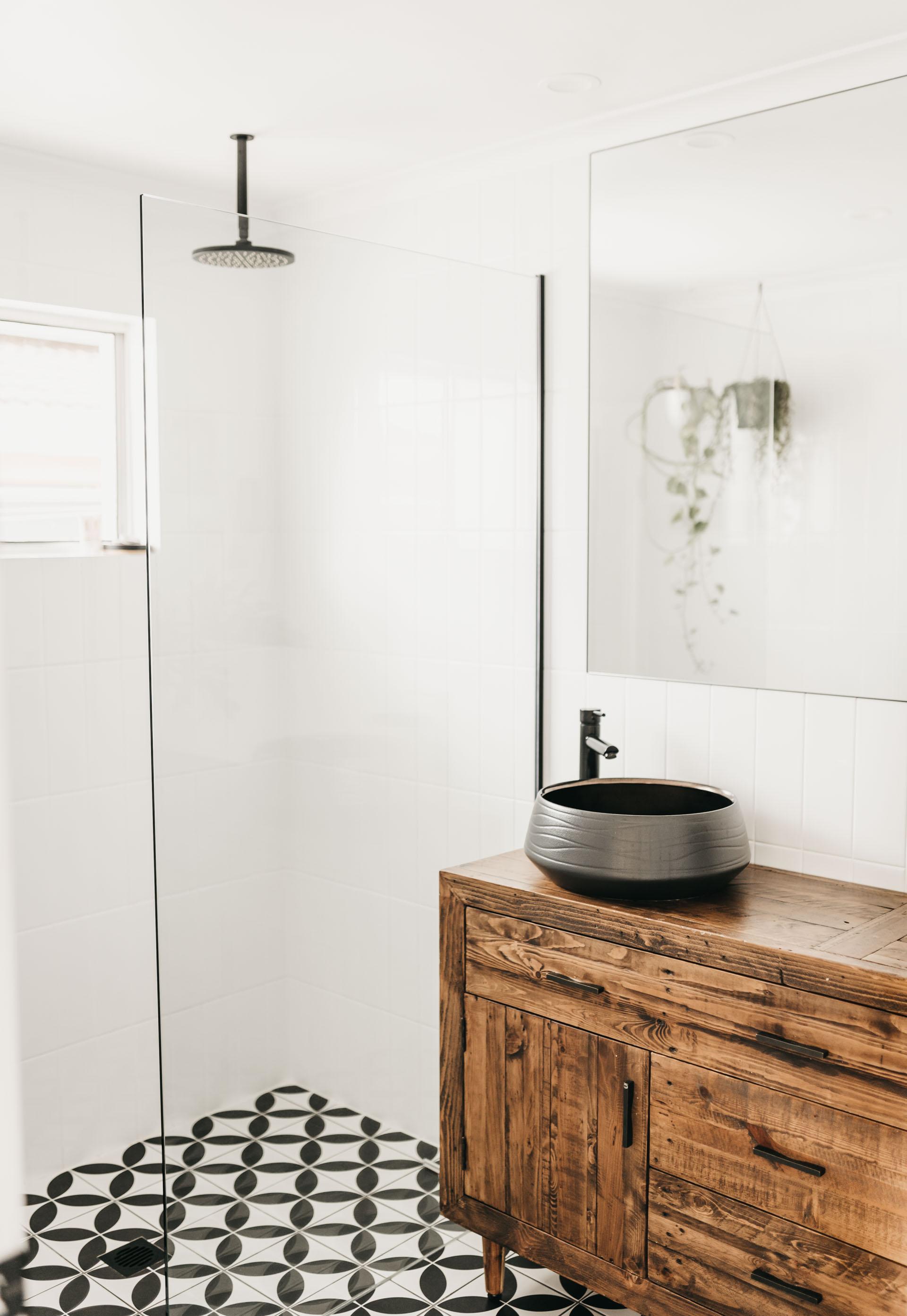 keira-mason-caba-cottage-bathroom.jpg