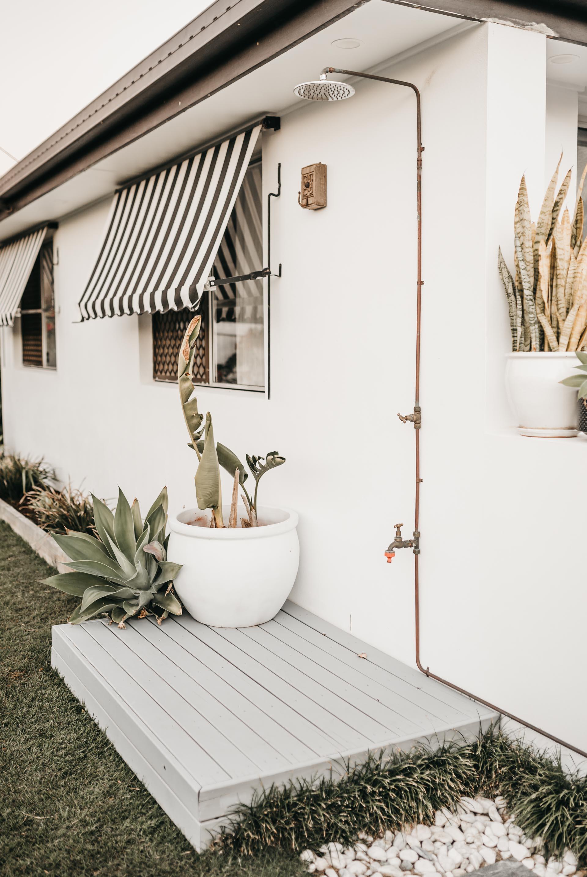 keira-mason-caba-cottage-outdoor-shower.jpg