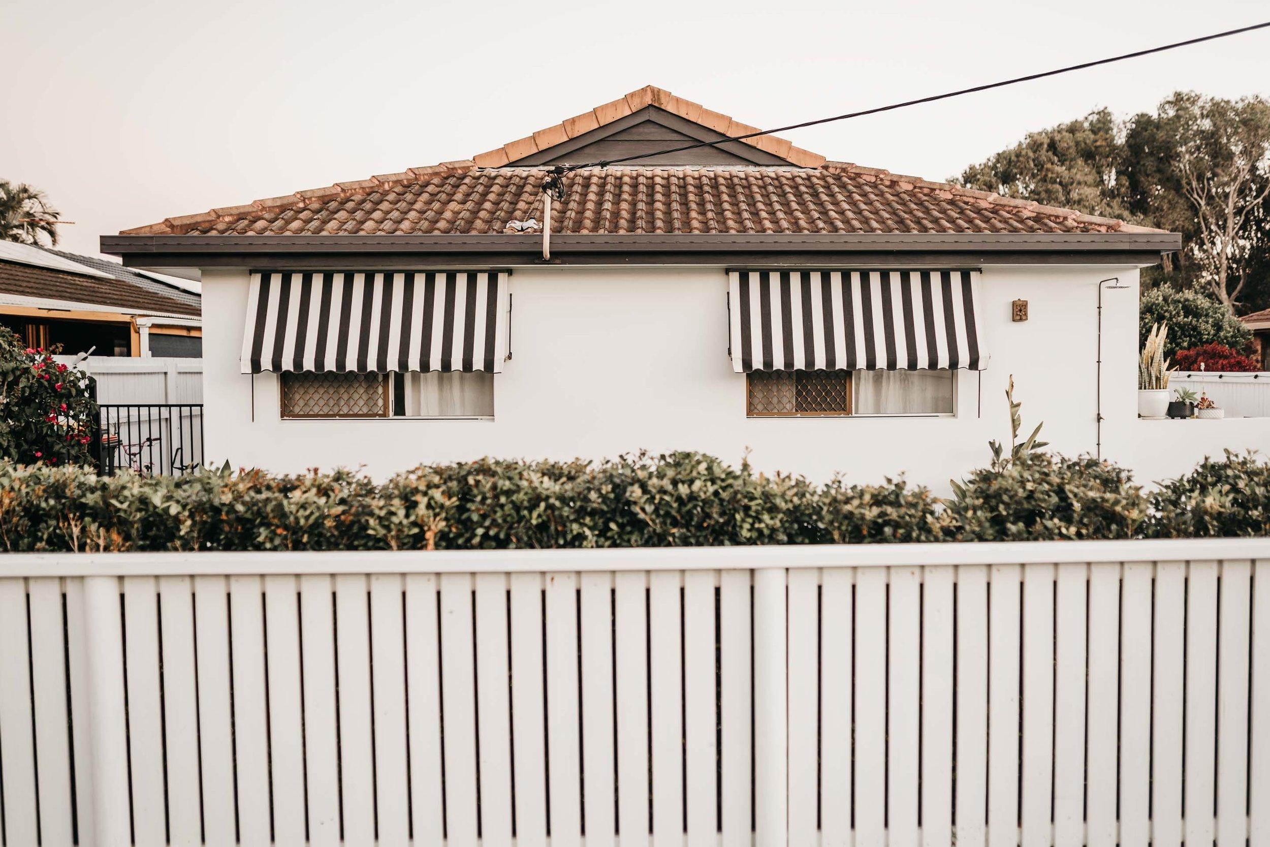 keira-mason-caba-cottage-outside-minimal-home.jpg