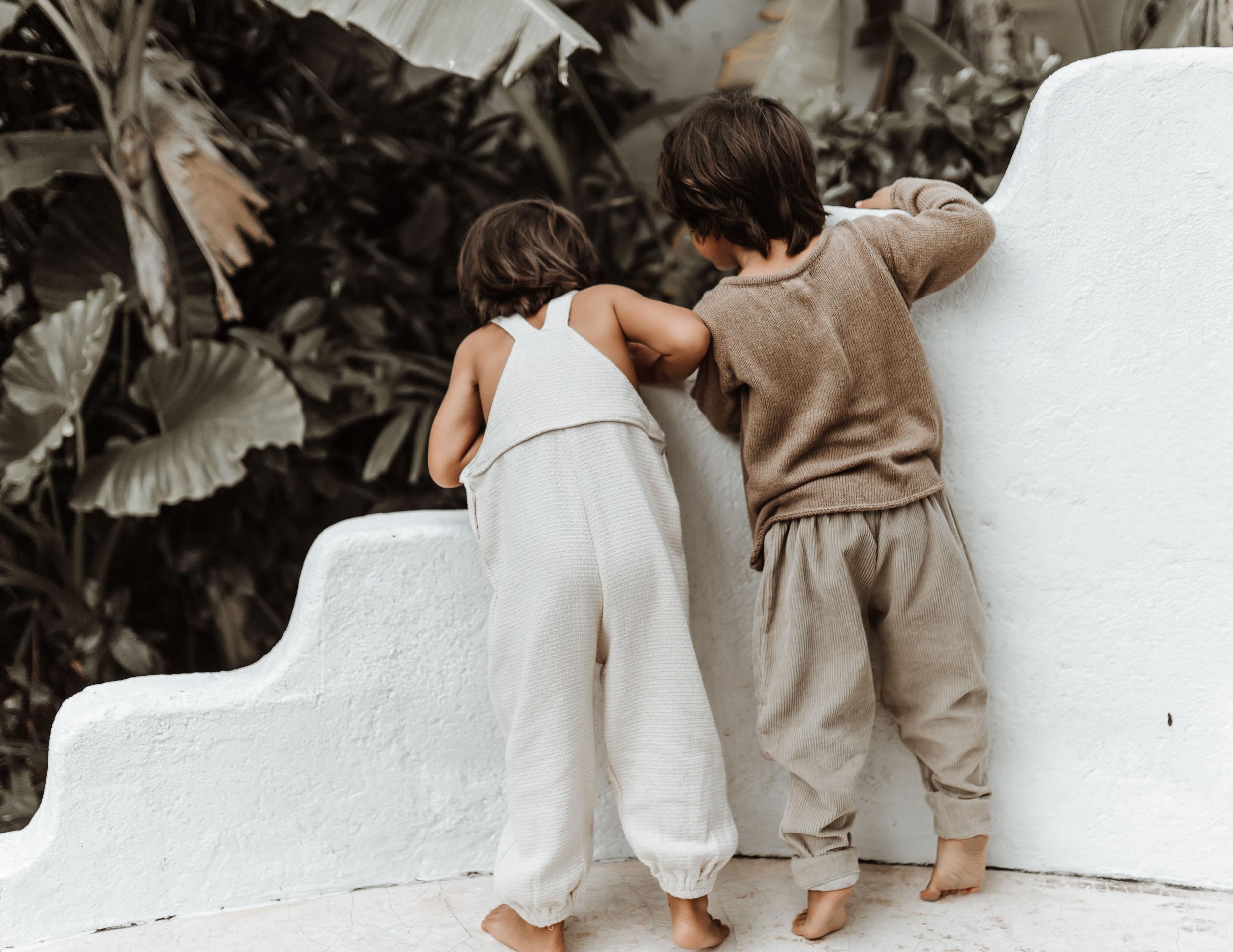 keira-mason-illoura-the-label-boys-searching-in-garden.jpg