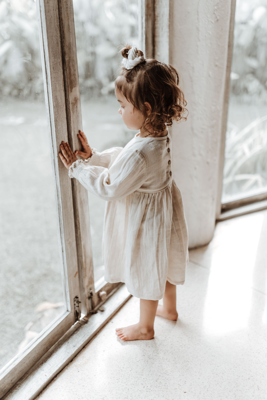 keira-mason-illoura-the-label-girl-at-window.jpg