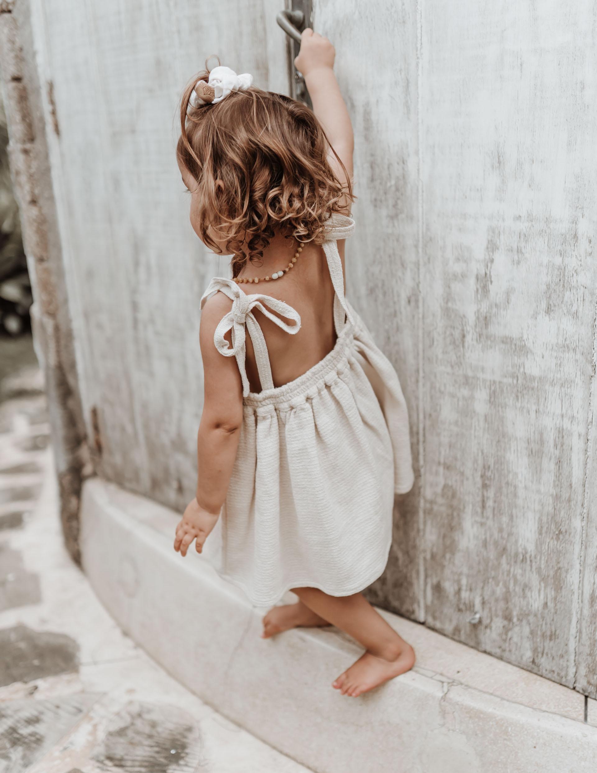 keira-mason-illoura-the-label-girl-in-cute-dress.jpg