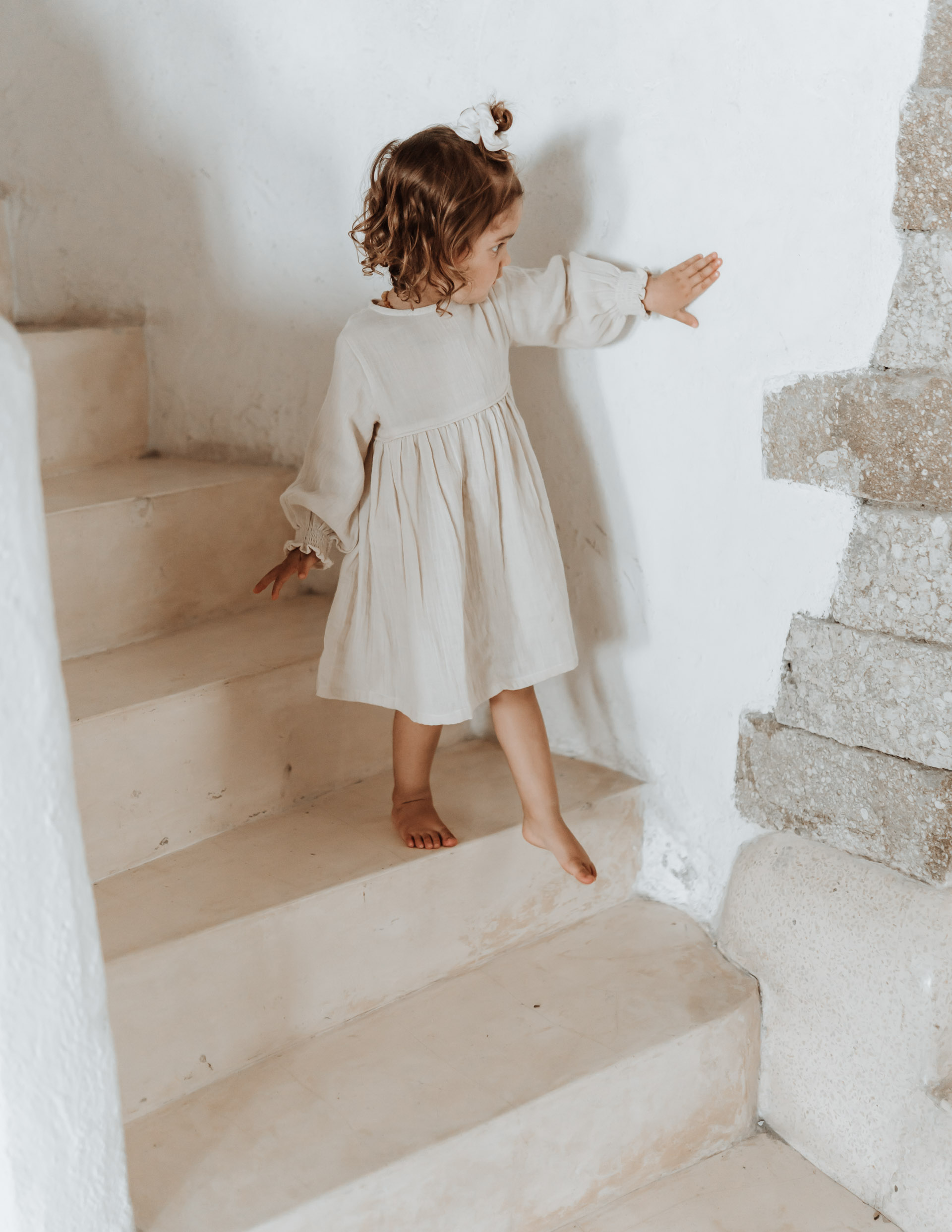 keira-mason-illoura-the-label-girl-walking-down-stairs.jpg