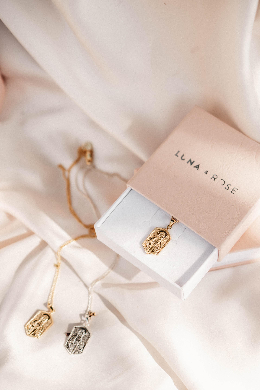 keira-mason-la-luna-rose-jewellery-necklace.jpg