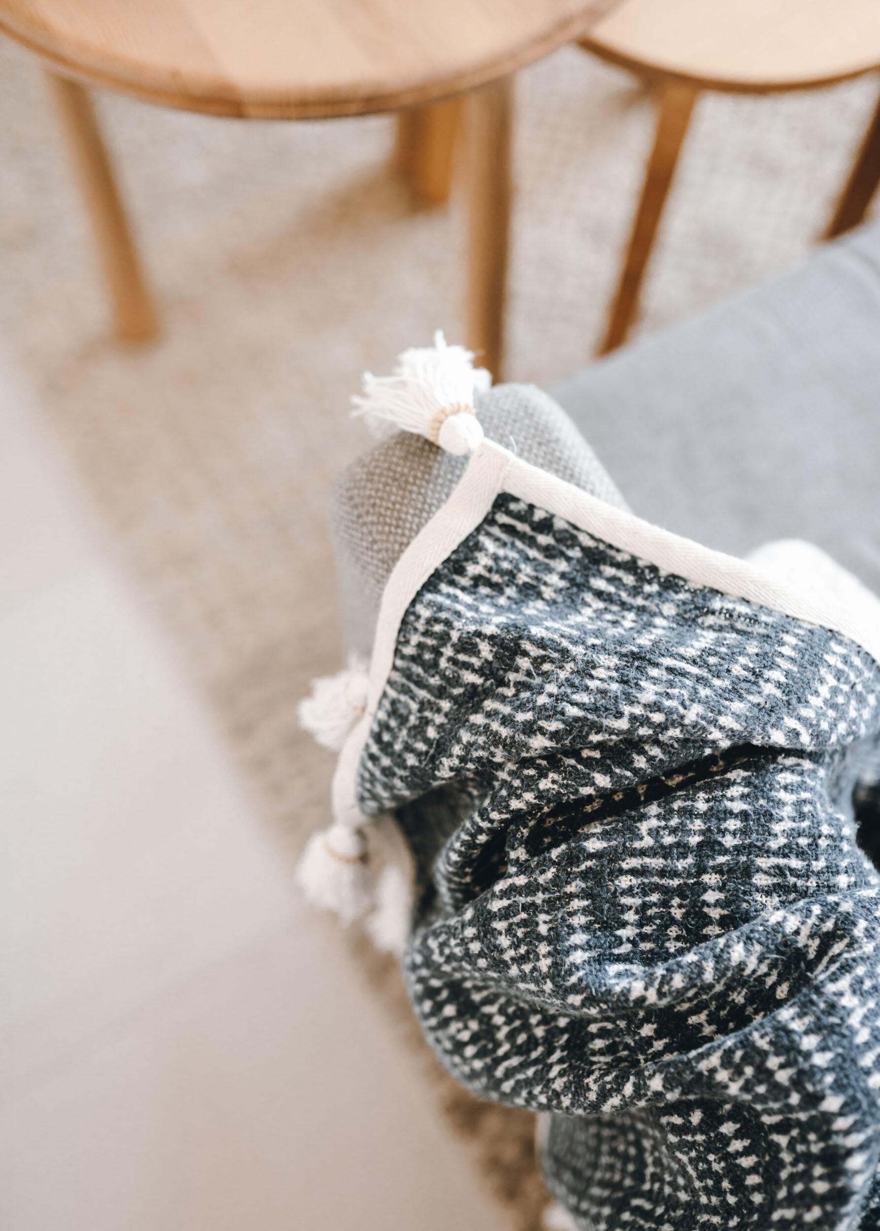 keira-mason-flourish-on-bull-street-blanket-details.jpg