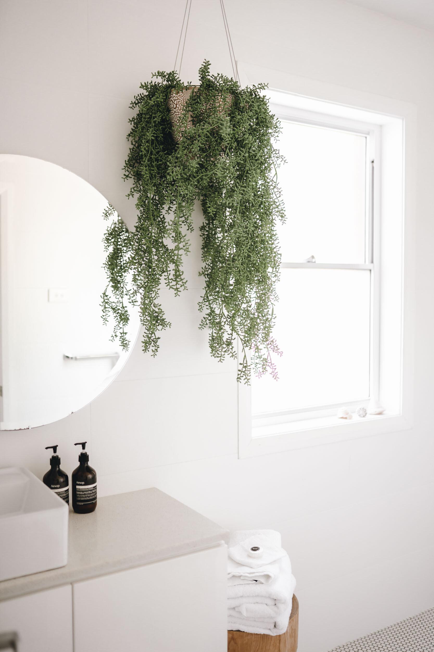 keira-mason-flourish-on-bull-street-bright-bathroom.jpg