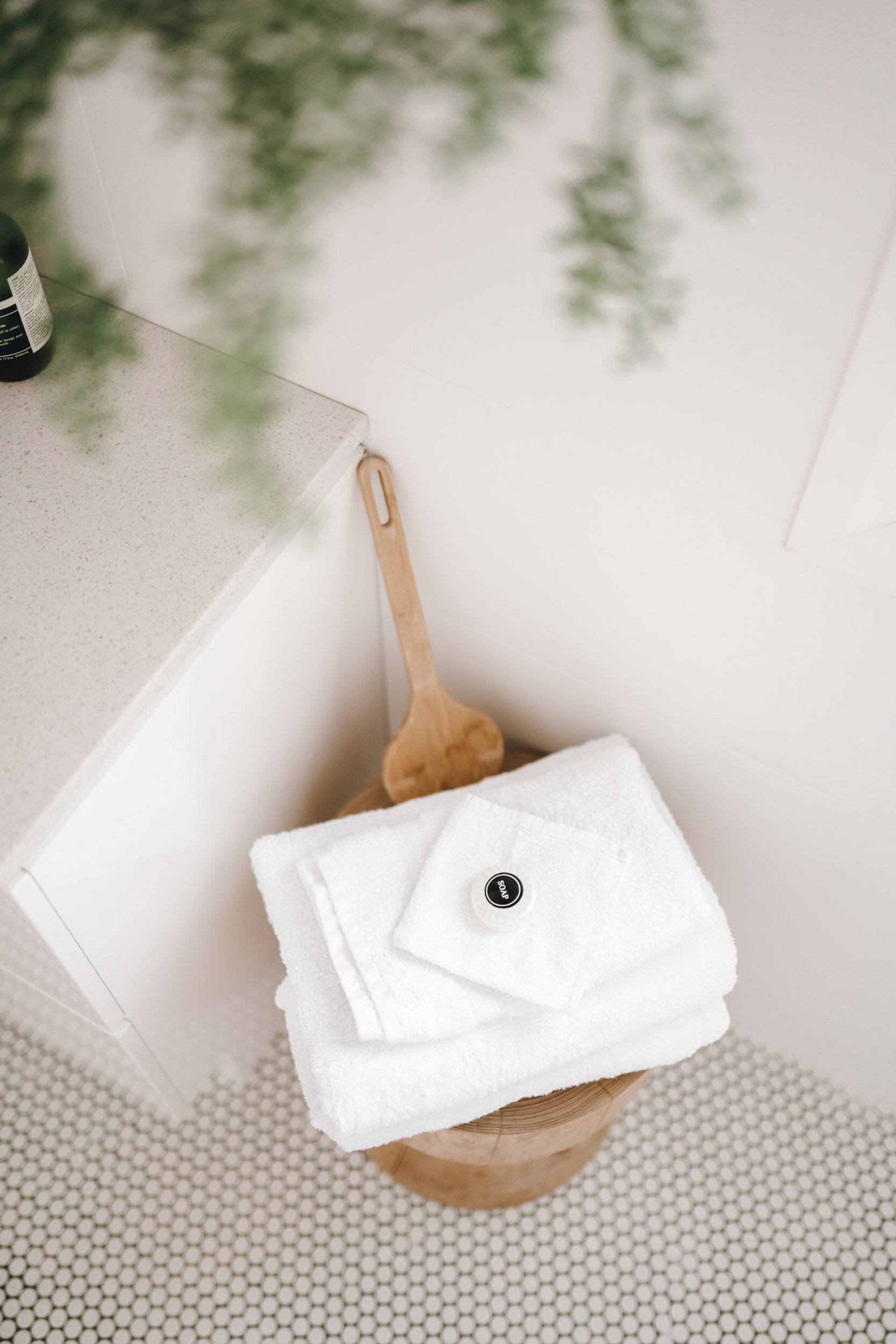 keira-mason-flourish-on-bull-street-bathroom-towels.jpg