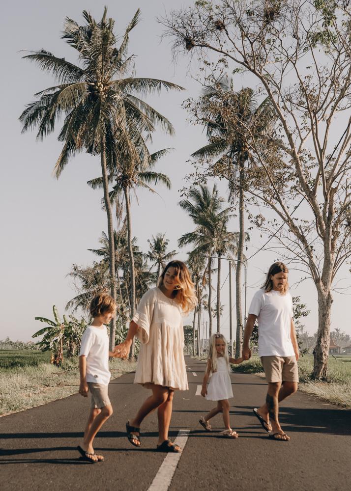 keiramason-snowden-family-bali-roadside-palm-trees.jpg