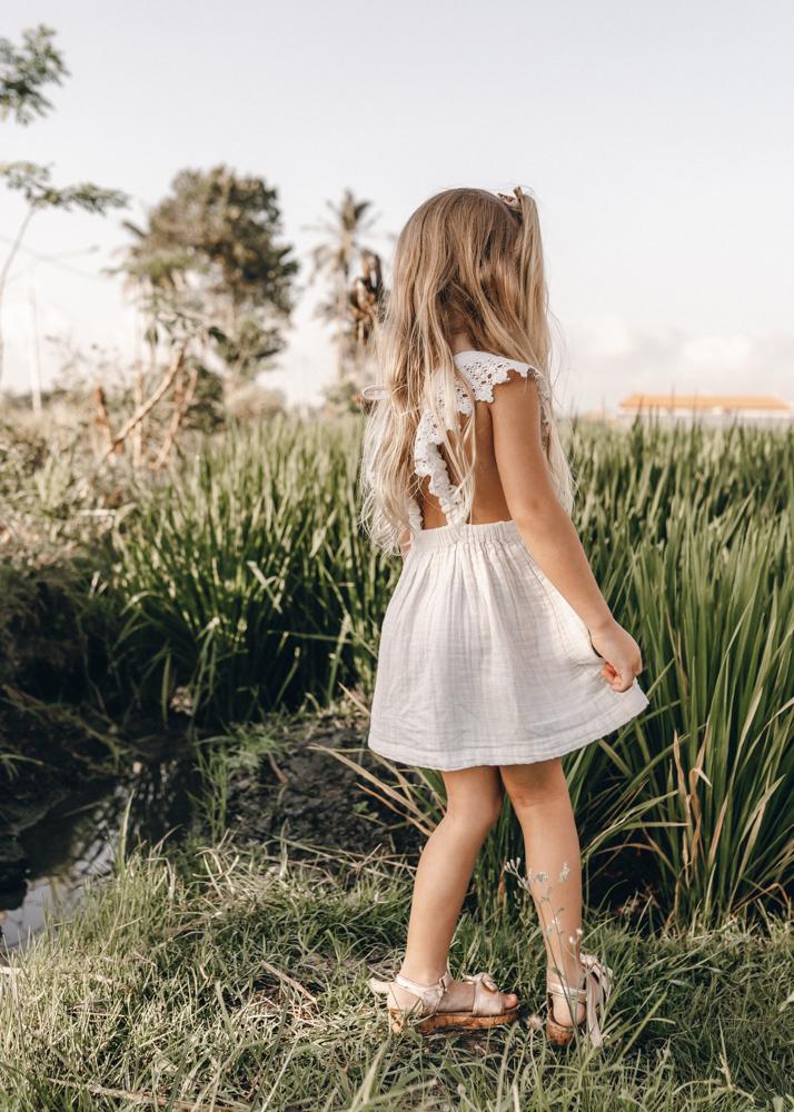 keiramason-snowden-family-cute-girl-dress.jpg