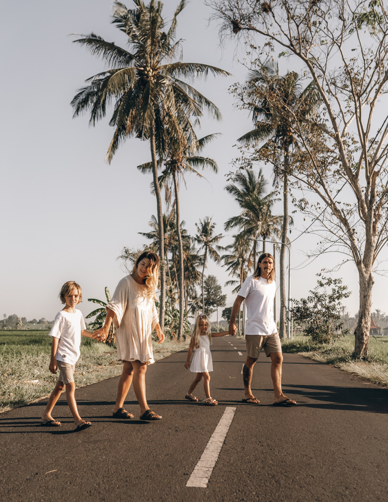 keiramason-snowden-family-palm-trees-in-bali.jpg