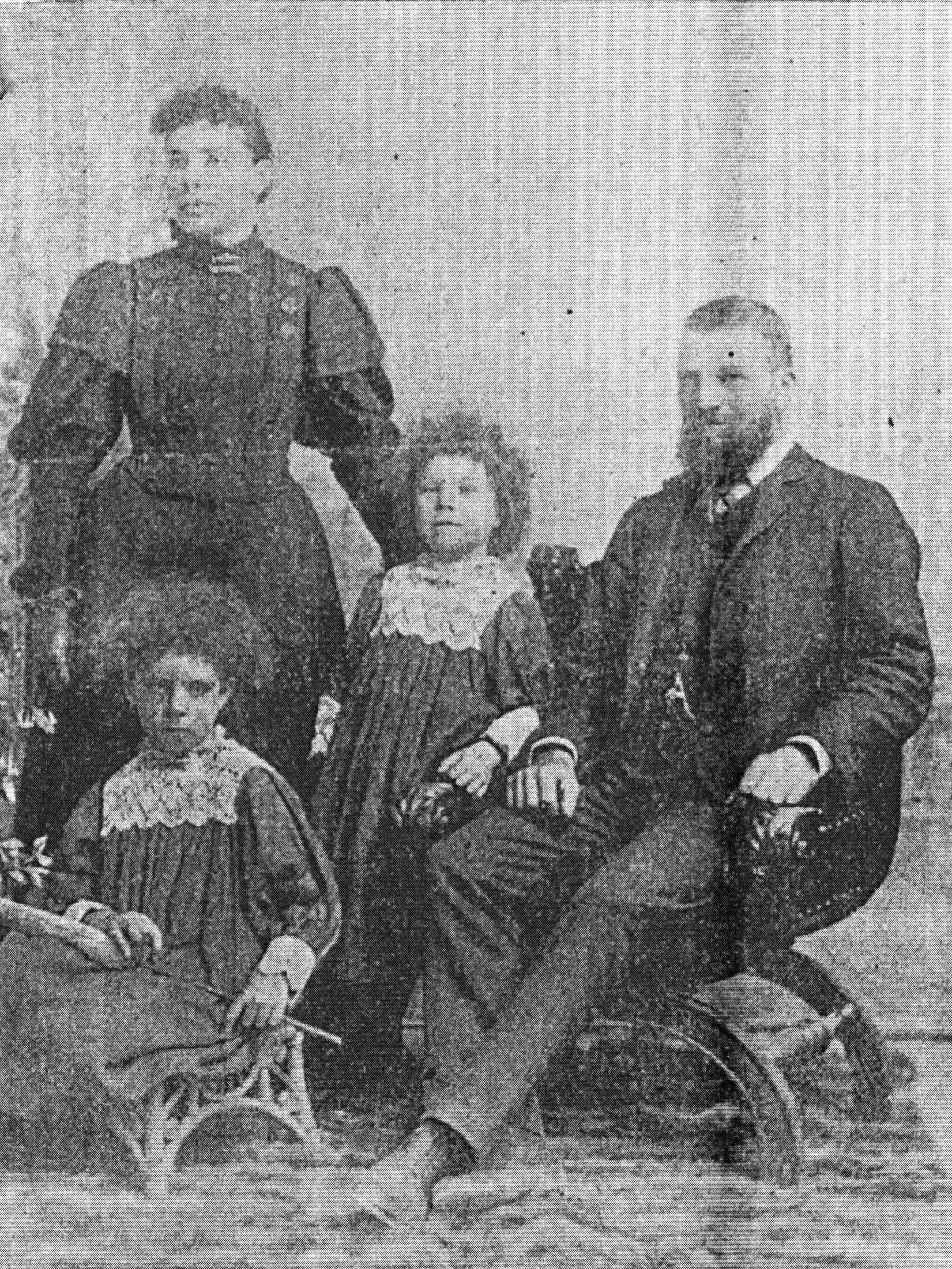 Rosalinda Fox with her husband, John, and daughters Violet (left) and Esther (centre), in West Australian Sunday Times, 5 March 1899, also from Murder on Gallop's Gardens, Dalkeith, by Robert Couzens.