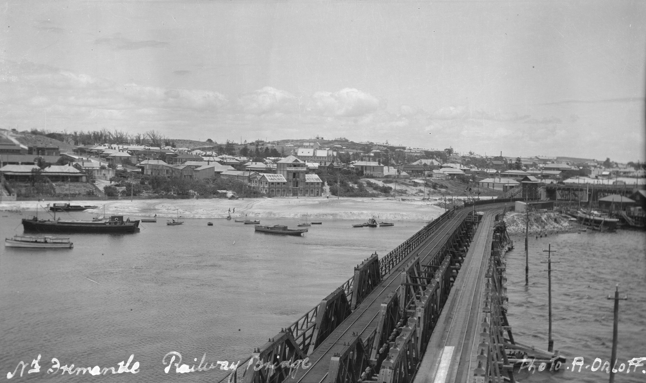 Fremantle Rail Bridge where Ruby Yen's body was dumped. Photographed two years later in 1927. Courtesy of the State Library WA