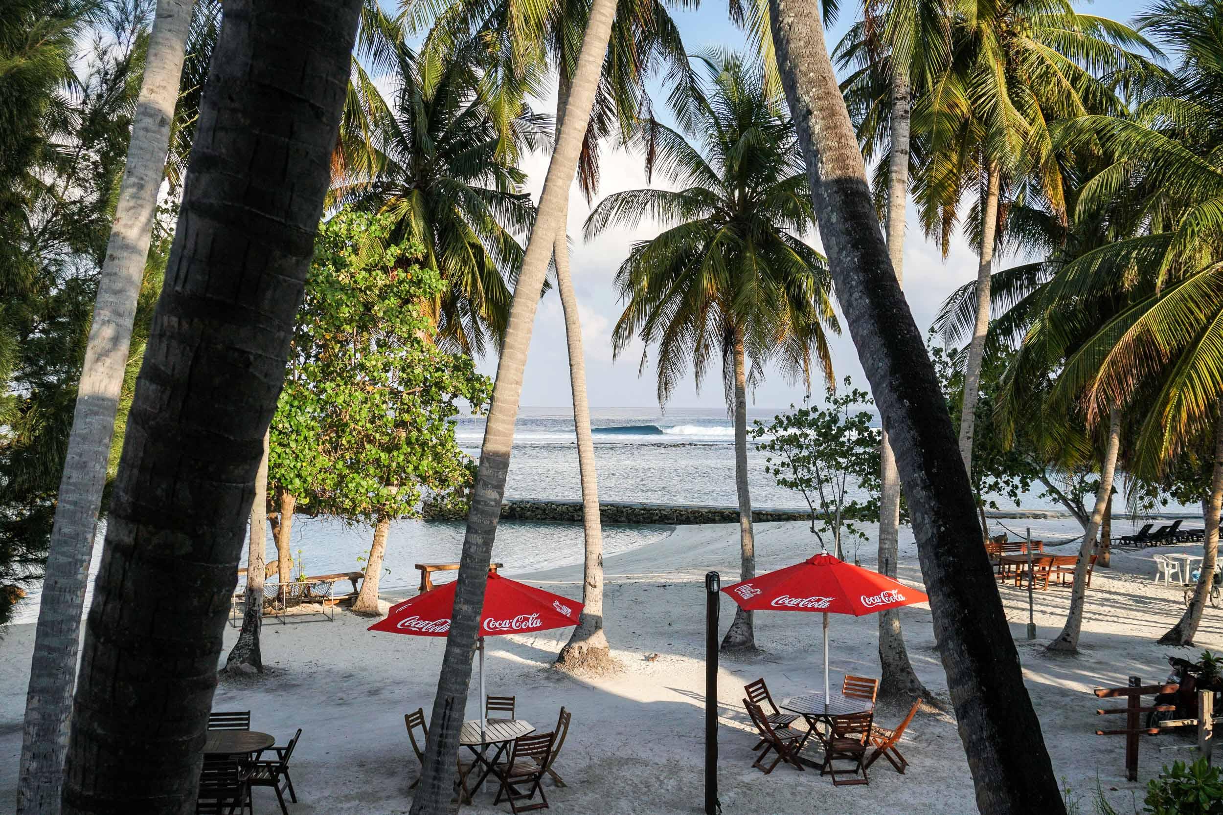 GirlsSurfingExperienceMALDIVAS-08510.jpg
