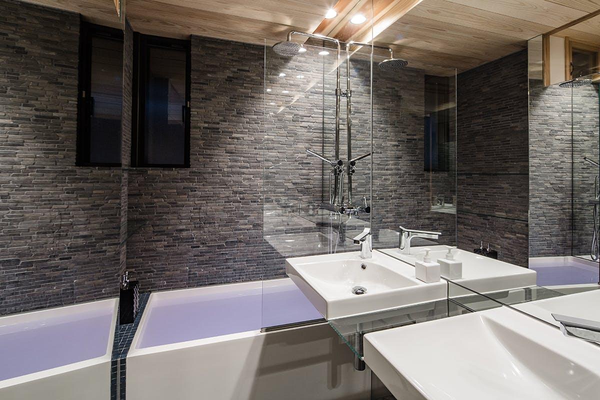 MMG-TempleView-Bathroom.jpg