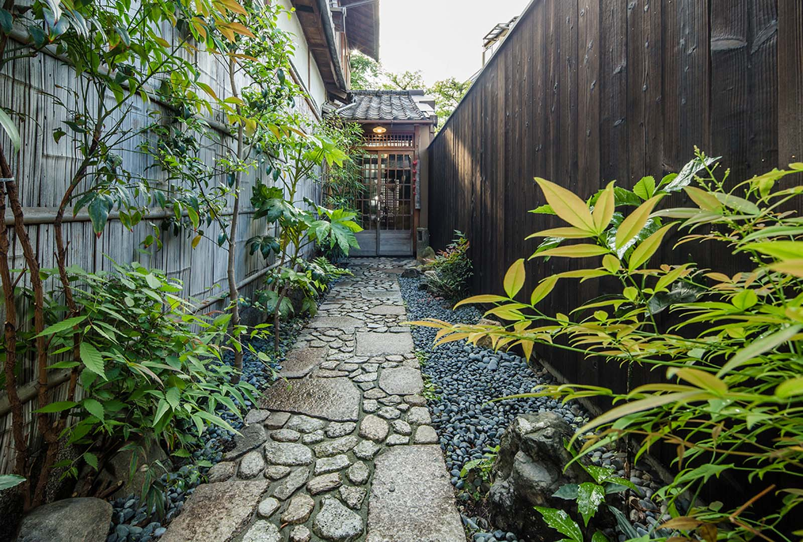 Reserve Your Private Home in Kyoto - Book your stay at our Temple Garden View Suite