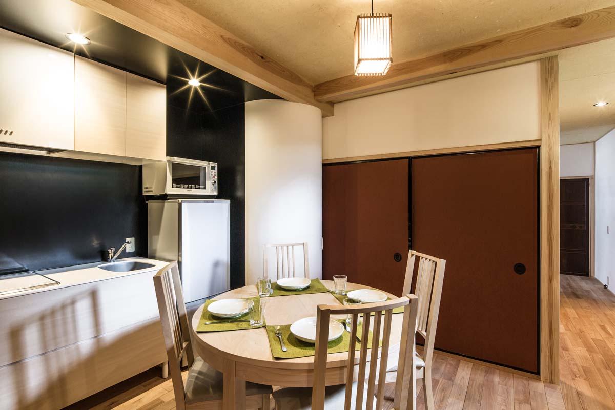 1F Modern Kitchen.jpg
