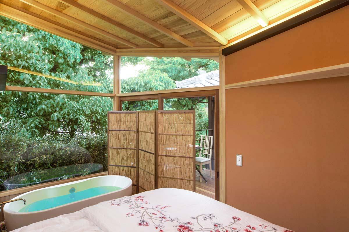 Tatami Bedroom with Soaking Tub.jpg