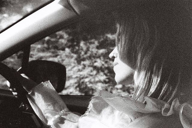 driving to the snow ~ nice grainy film shot by @sammyhawker from the kitchen video shoot 🌬
