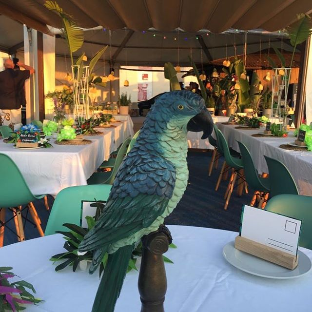 Thematic birthday party by Valencia Venues at La Barraquita Beach, Sunset, mohitos and valencian gastronomy buffet stations #valencia #valenciavenues #valenciavenuesexperience #cateringvalencia #valenciacatering #restaurants #valenciarestaurant