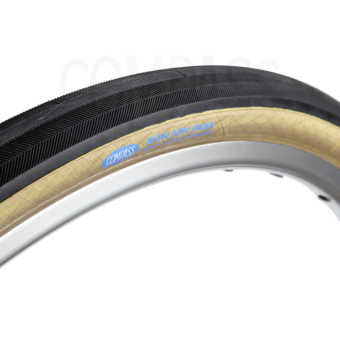 Compass Bon Jon Pass - This is perhaps one of the lighter tan walls we have seen on our tubeless tyre options!