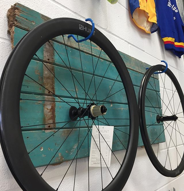 They have landed!!! Our awesome @huntbikewheels 3650 #carbonwheels are available to hire! These wheels will be fitted with @vittoriatires #corsacontrol 700x25 tyres and offer riders the opportunity to try out carbon wheels before committing! Get in touch if you are interested in transforming the way your bike feels to ride!!! . . . . . #mybikeworks #Bromsgrove #huntwheels #huntbikewheels #carbonwheelset #vittoria