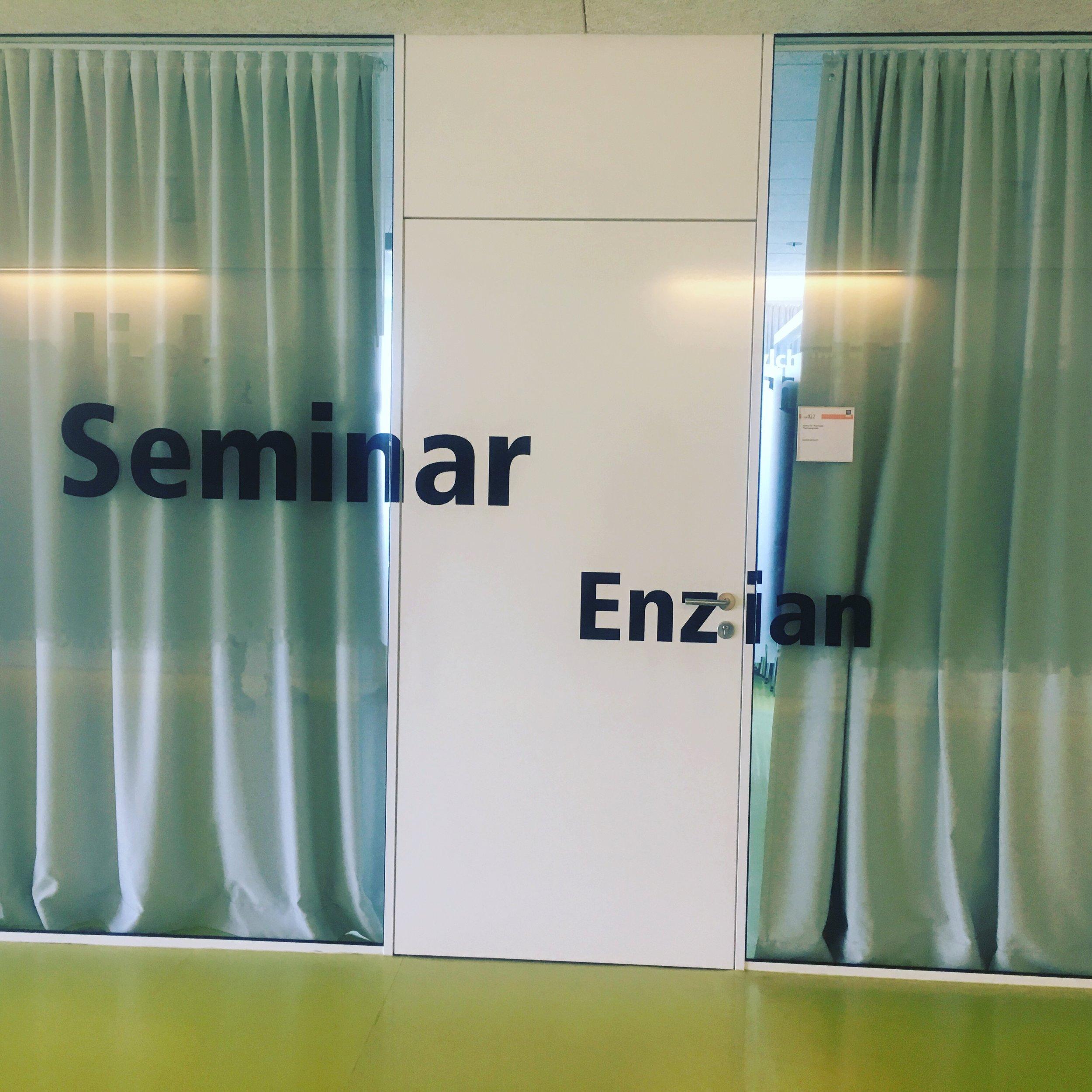 Von der Schule: LEBEN - an die Universität Innsbruck.