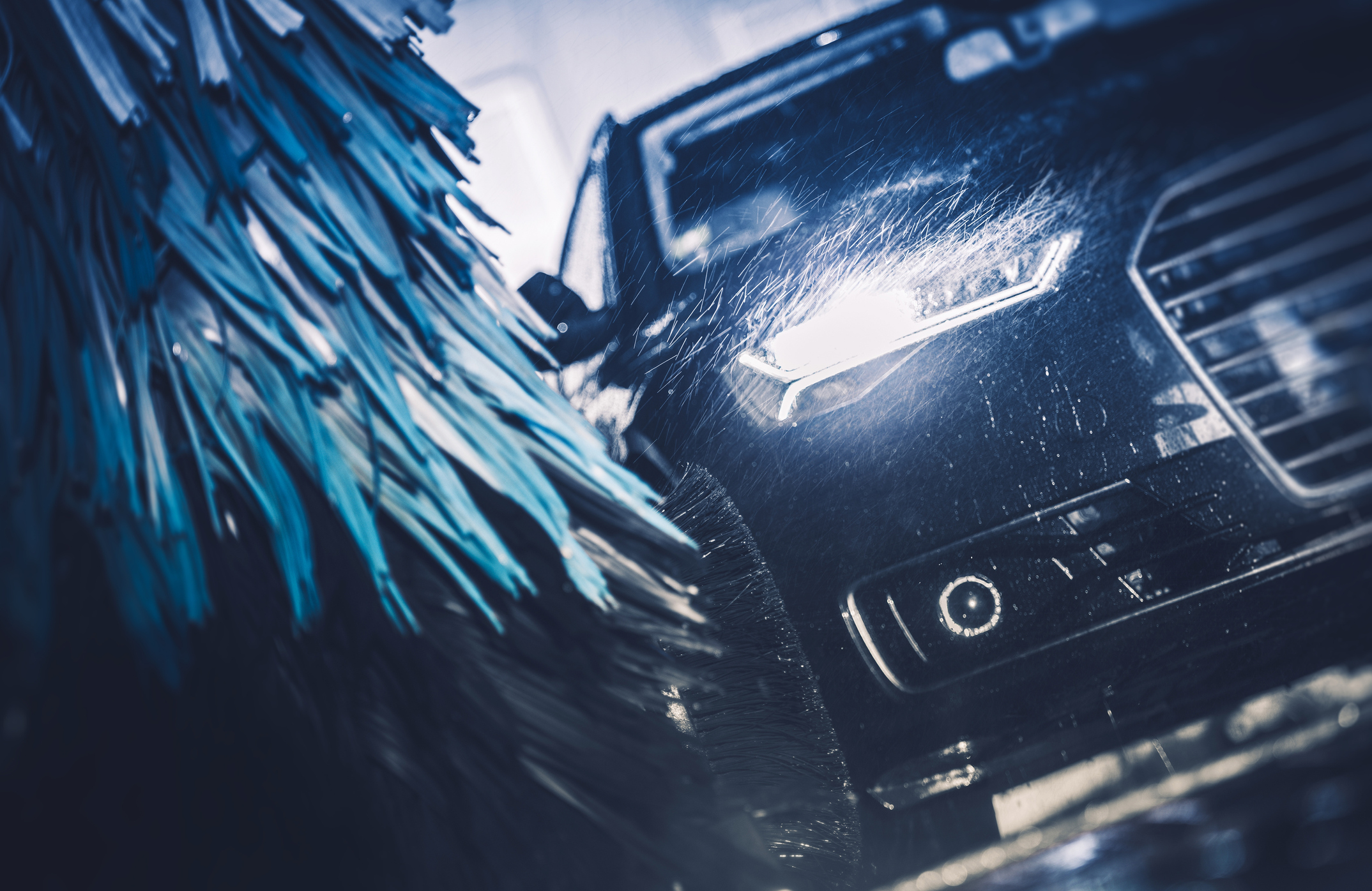 Vaskehøyde 2,95 m! - Stor bil er ingen problem! Her kan du vaske Springer eller Crafter uten bekymringer.Åpent 24/7