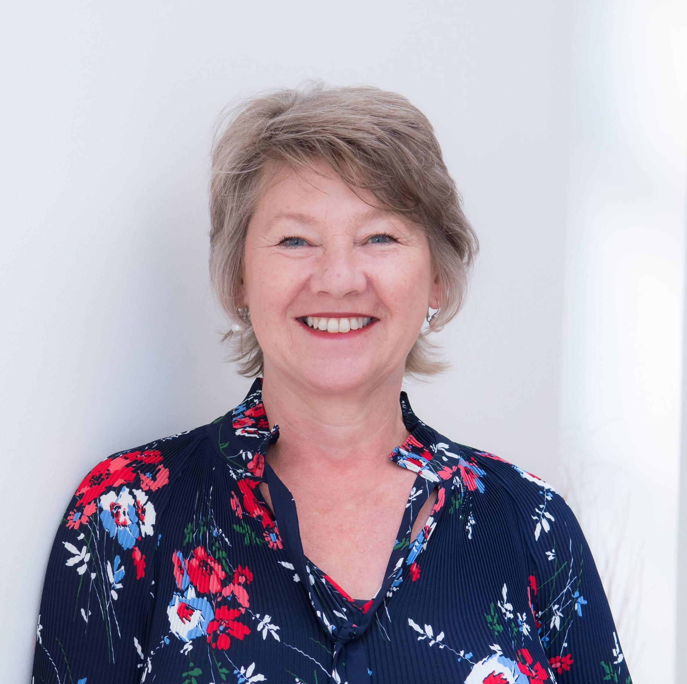 """""""Jacqueline has a real gift for asking the right questions to hone in on what it is you want out of life, providing advice on how you can get there and giving you the confidence to believe you can achieve it."""" - – Janine Kessel"""