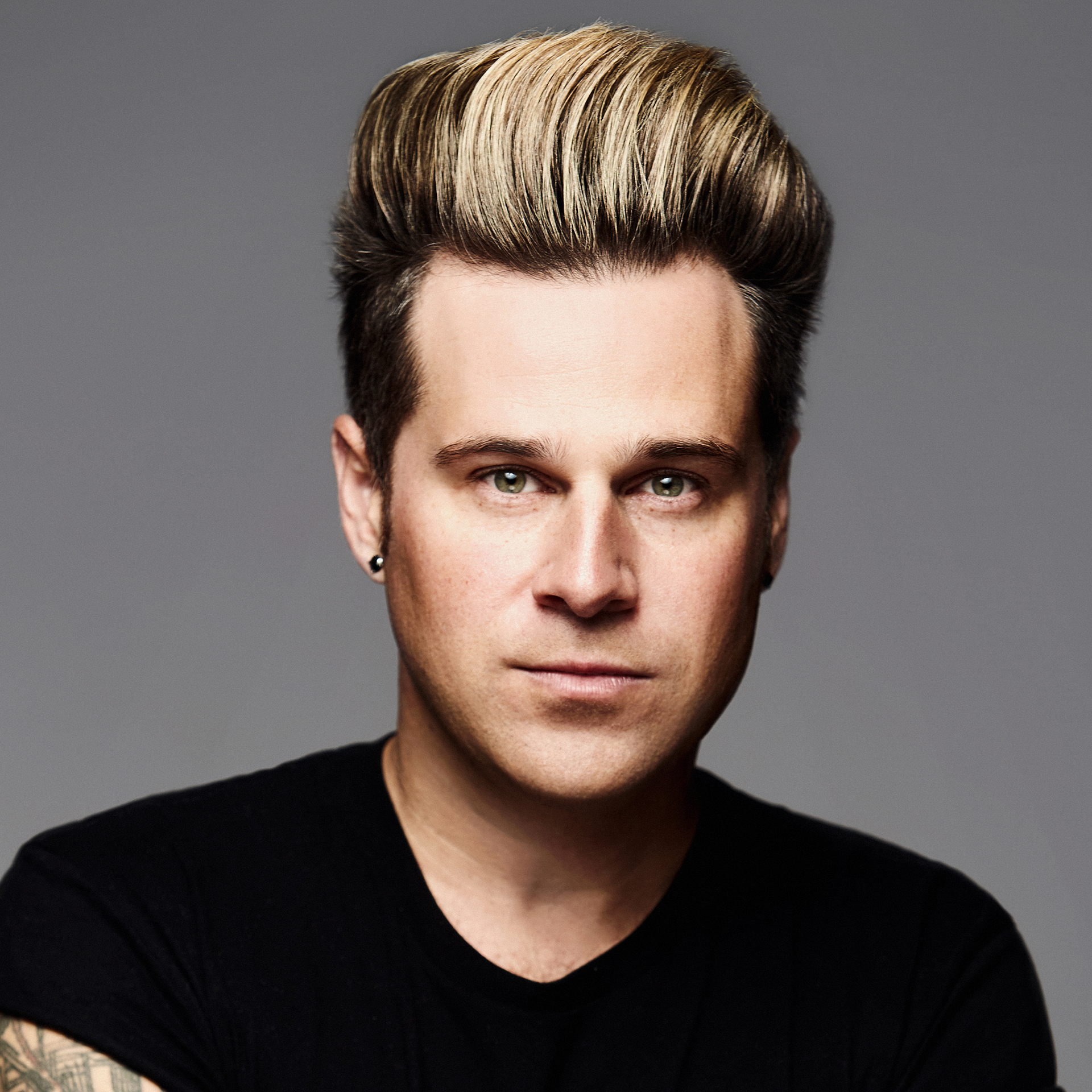RYAN CABRERA - Guitarist, songwriter, and Texas native Ryan Cabrera began as a lead singer for the Dallas band Rubix Groove before pursuing his solo career. Following the 2001 release of independent album Elm St., he released his first major-label album, Take It All Away, on August 17, 2004. Earlier in the year, Cabrera had become known for his up-tempo pop-rock single
