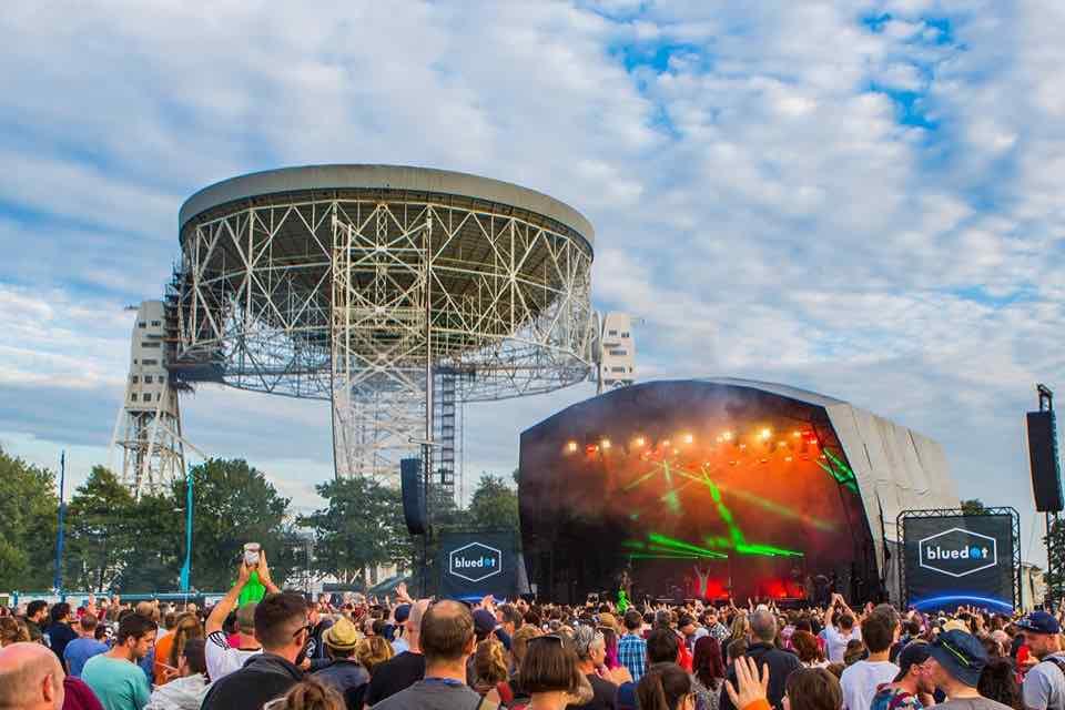 bluedot-festival-main-stage-telescope-min.jpg