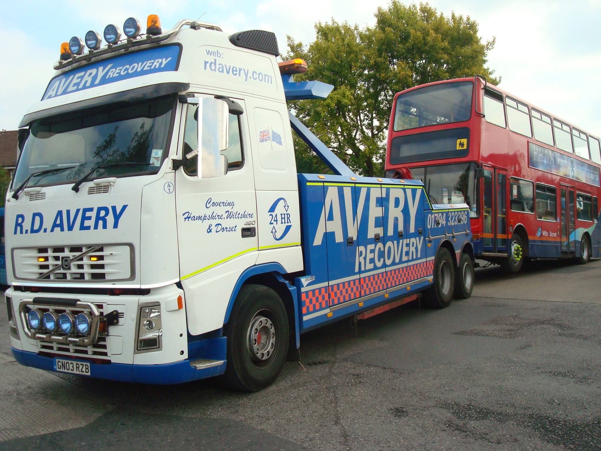 Bus & Coach Recovery - We service some of the south coast's largest bus and coach operators. We efficiently take expert care of passenger vehicles to ensure our customers have their bus or coach operational again in the quickest possible timeframe.