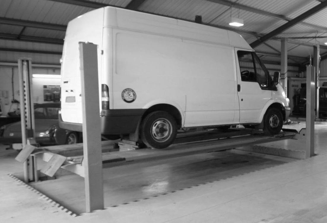 LIGHT COMMERCIAL MOT TESTING - We are an MOT test centre for commercial vehicles up to 3.5 Tonnes, offering full inspection and preparation beforehand.