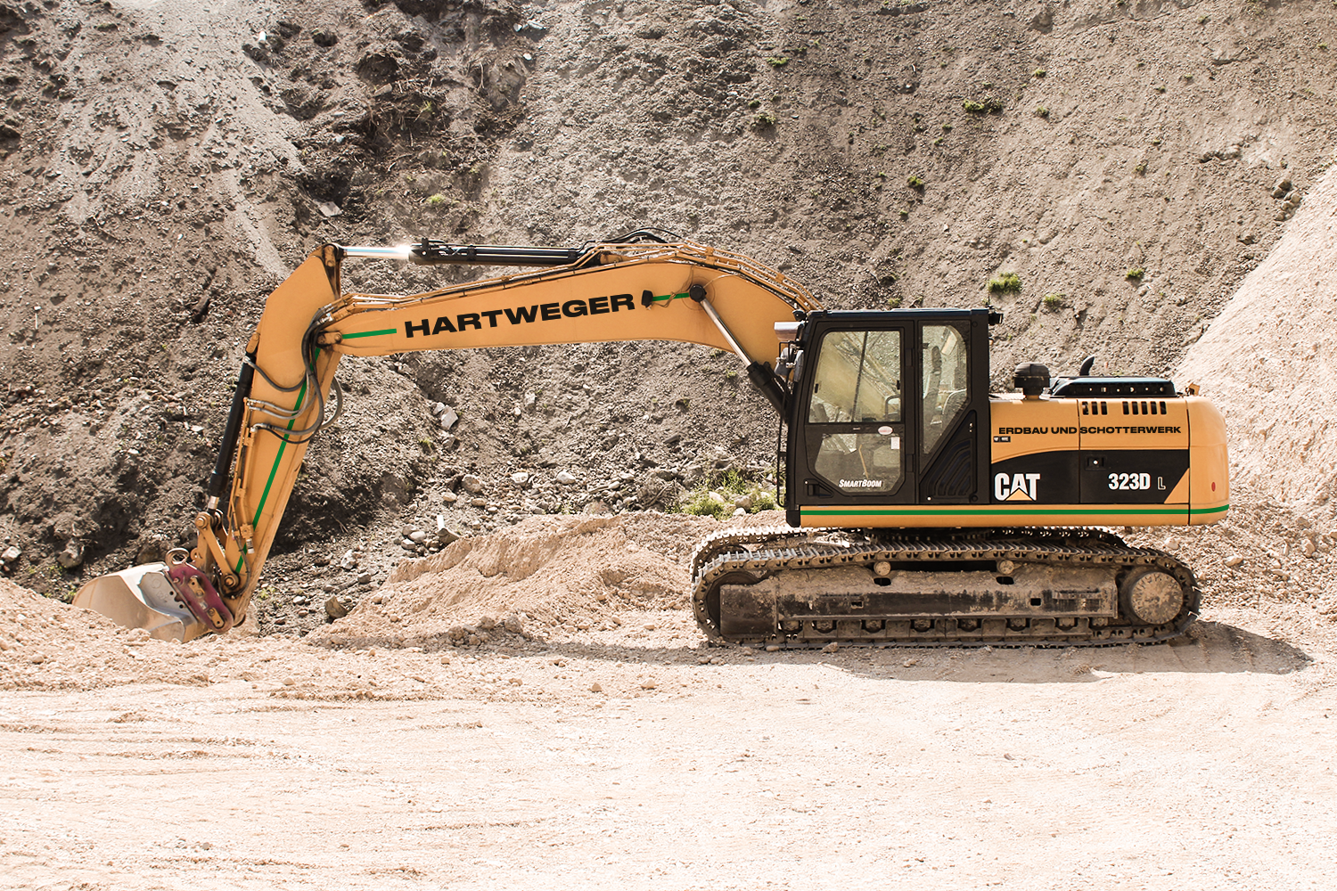 CAT 323 DL Kettenbagger—25 to